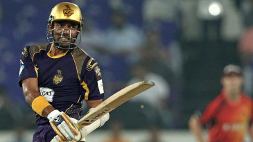Robin Uthappa reacts after playing a shot during his 23