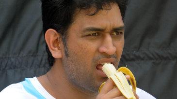 Mahendra Singh Dhoni eats a banana