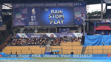 A brief spell of heavy rain threatened the match