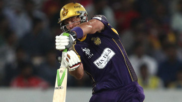 Jacques Kallis' unbeaten 54 took Knight Riders home