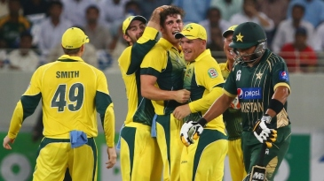 Sean Abbott is mobbed after dismissing Shahid Afridi