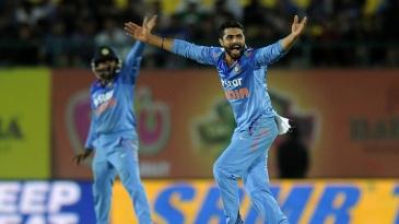 Ravindra Jadeja struck twice in the 28th over