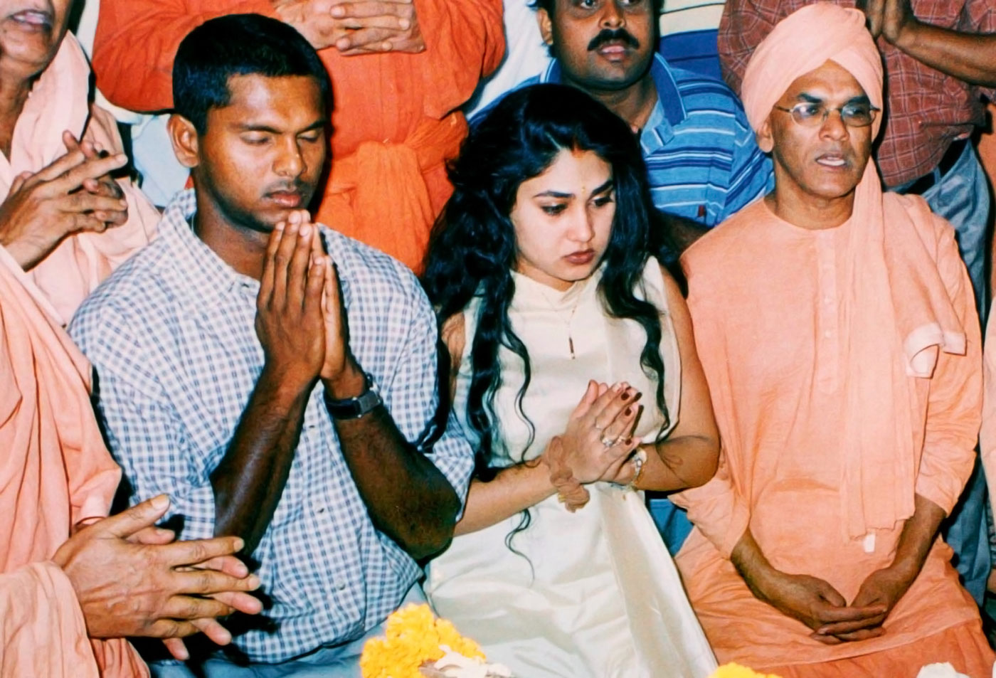 With his wife of the time, Amy, at the Bharat Sevashram Sangha temple in Calcutta, 2002