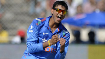 Akshar Patel pegged Sri Lanka bank with figures of 10-1-39-2