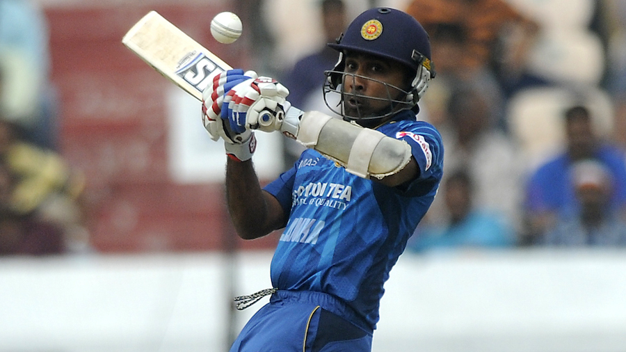 Mahela Jayawardene looks to play a ramp shot