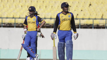 Virender Sehwag and Gautam Gambhir both failed to get going again