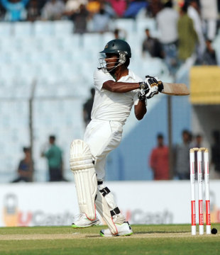 Rubel Hossain lashed a few boundaries to take Bangladesh past 500, Bangladesh v Zimbabwe, 3rd Test, 2nd day, Chittagong, November 13, 2014