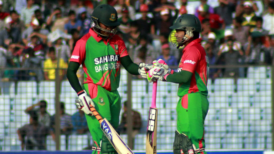 Mushfiqur Rahim and Shakib Al Hasan added 148 for the fifth wicket