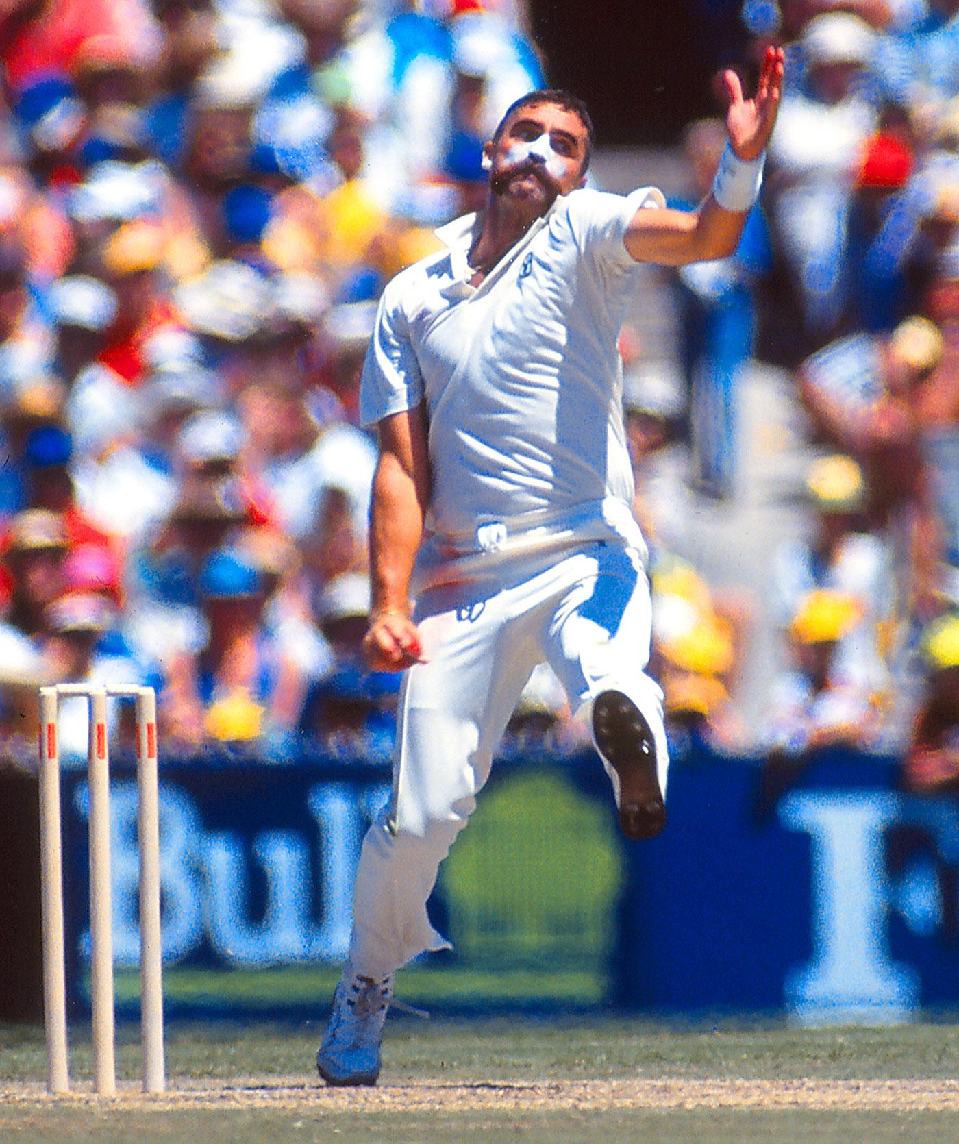 Merv Hughes bowls, Australia