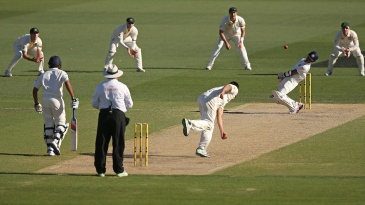 Mitchell Johnson bounces Wriddhiman Saha