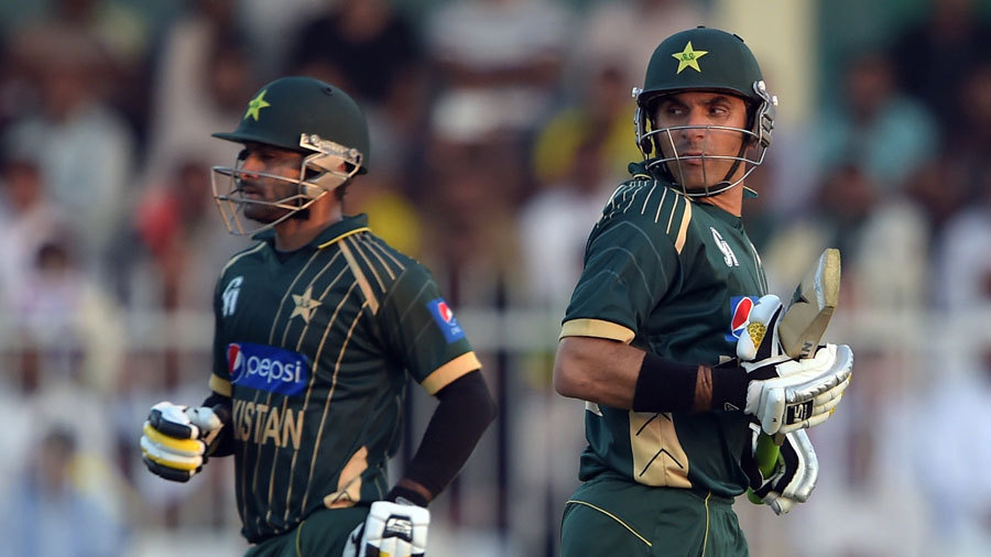 Mohammad Hafeez and Misbah-ul-Haq added 66 for the fifth wicket