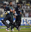 Anton Devcich and Dean Brownlie run between the wickets, Pakistan v New Zealand, 2nd ODI, Sharjah, December 12, 2014