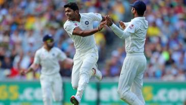 Umesh Yadav is ecstatic after dismissing David Warner for a duck