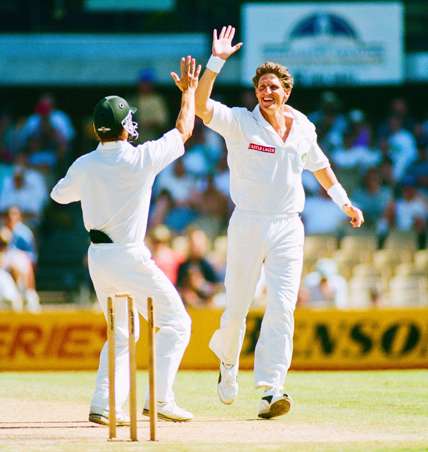 Fanie de Villiers celebrates a wicket, Australia v South Africa, 2nd Test, Sydney, 5th day, January 6, 1994