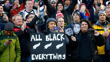 New Zealand rugby fans celebrate
