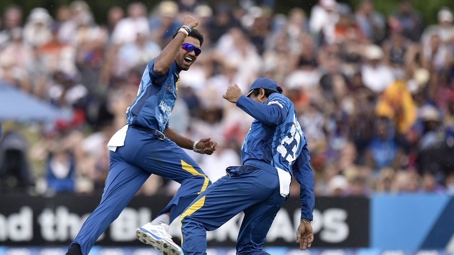 Sachithra Senanayake thought he had caught Grant Elliott, but replays showed otherwise