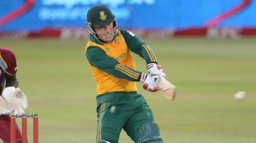 Morne van Wyk pulls during his hundred