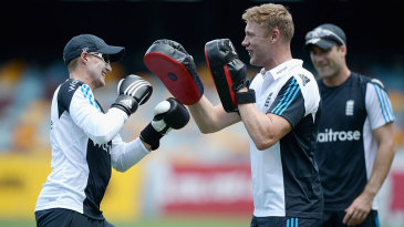 Andrew Flintoff passes on his boxing knowledge
