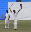Shrikant Mundhe raises a second first-class ton, Maharashtra v Delhi, Ranji Trophy, Group B, Pune, 4th day, January 24, 2015