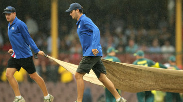 The covers come on at rainy SCG