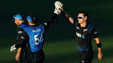 Nathan McCullum dismissed Ahmed Shehzad for 55