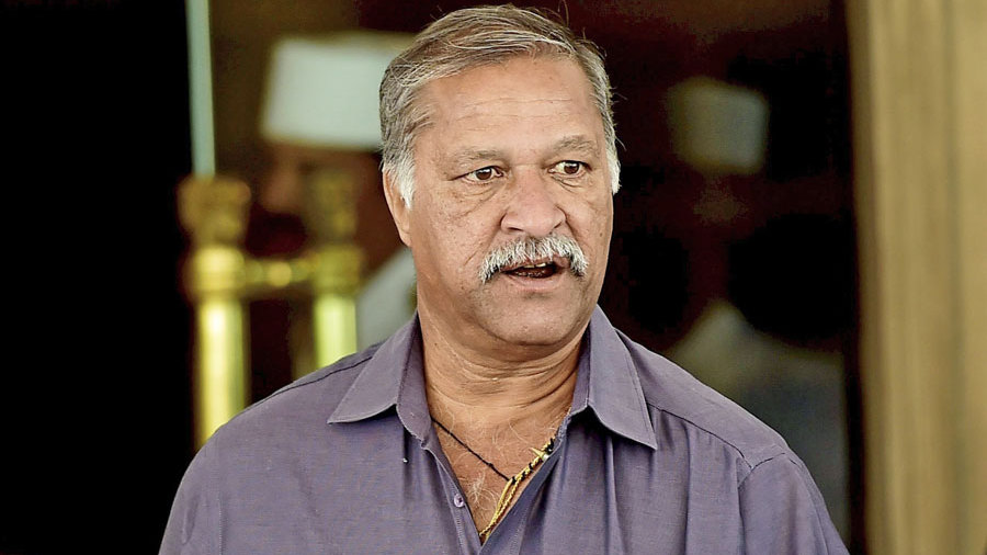 Shivlal Yadav profile and biography, stats, records, averages, photos and videos