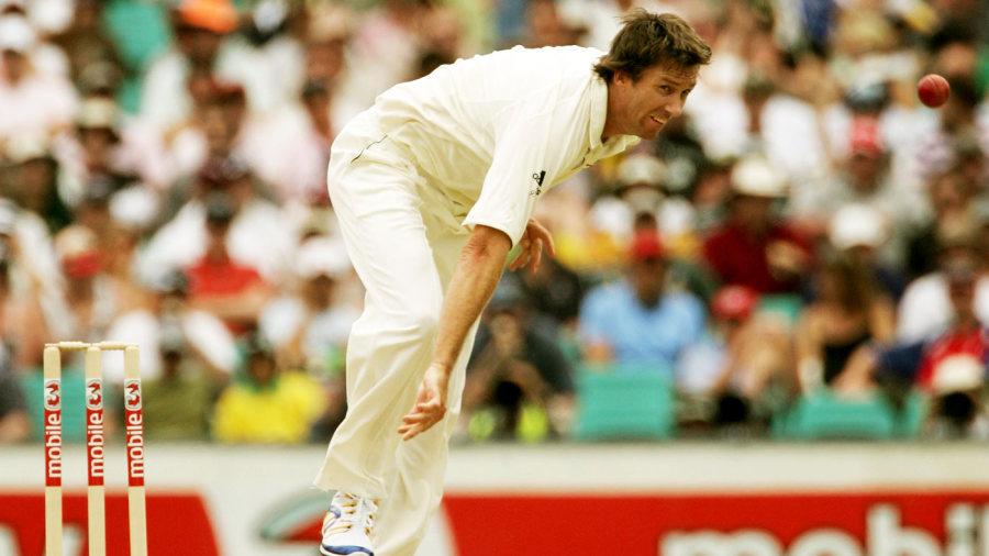 Glenn McGrath bowls