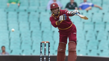 Marlon Samuels struggled in seamer-friendly conditions