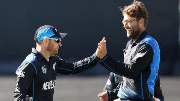 Daniel Vettori got two wickets in one over