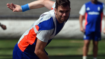 James Anderson will hope to swing England to a surprise against Australia