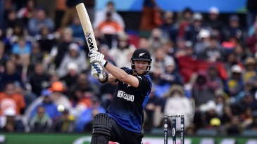 Corey Anderson smashed 75 off 46 balls to power New Zealand to 331