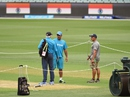 Bat first or bowl: MS Dhoni and Duncan Fletcher speak close to the pitch, World Cup 2015, Adelaide, February 14, 2015