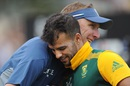 Atta boy: Allan Donald congratulates JP Duminy on his unbeaten 115, South Africa v Zimbabwe, World Cup 2015, Group B, Hamilton, February 15, 2015