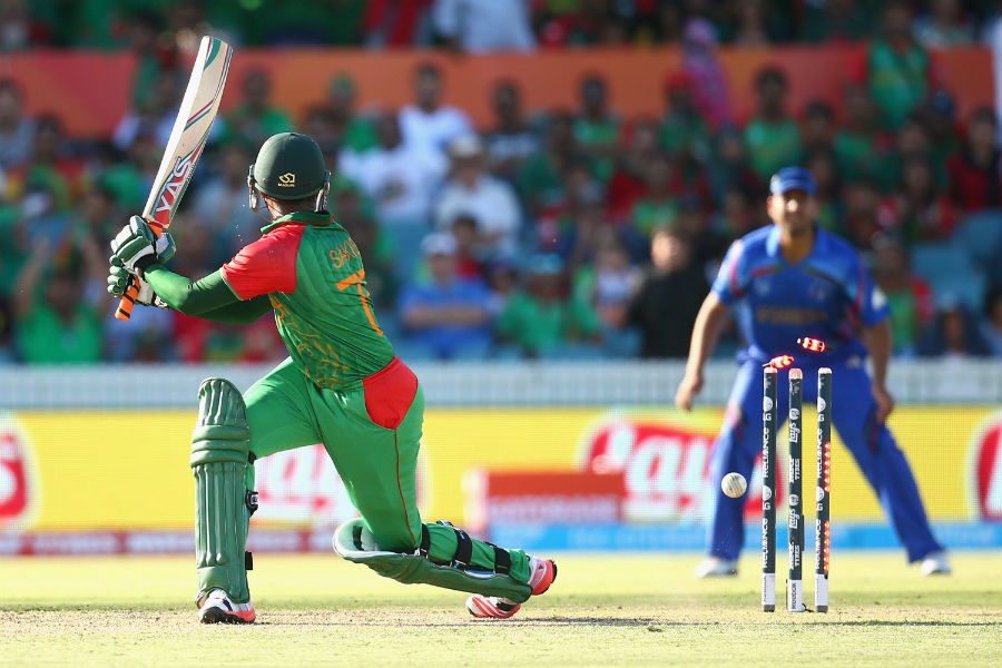 Bangladesh's lower order didn't last long as their last five wickets could only add 34 runs. They were all out for 267