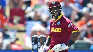 Darren Sammy sports a wry smile after evading a bouncer