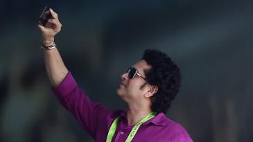Sachin Tendulkar takes a selfie