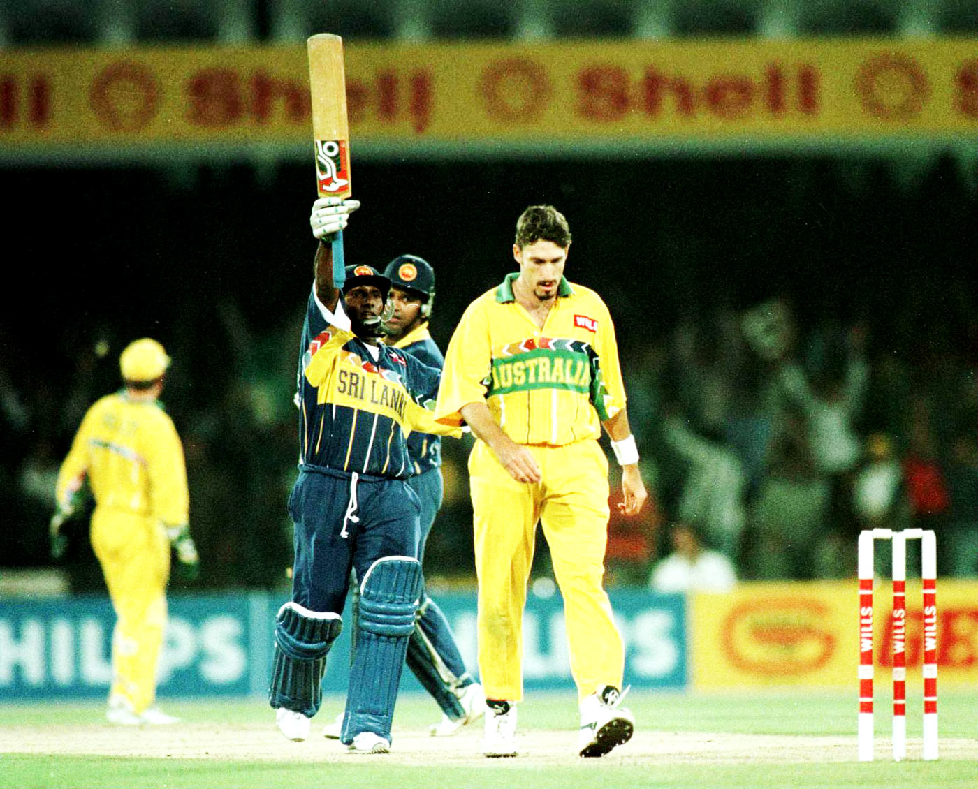 Big day, big feats: Aravinda de Silva was relaxed enough to contribute match-winning efforts with bat and ball in the 1996 World Cup final