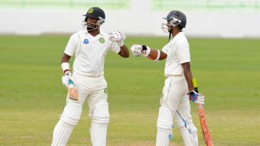 Narsingh Deonarine and Shivnarine Chanderpaul added 144 for the fourth wicket