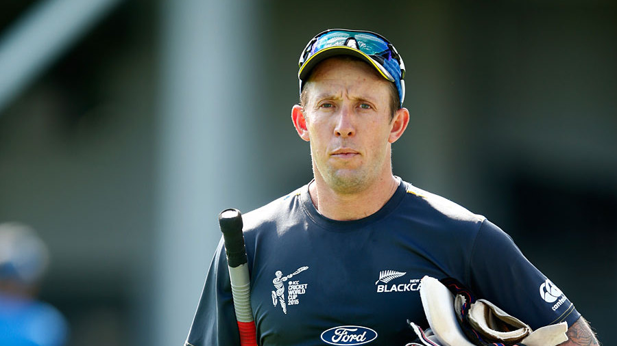 "<b><a href=""http://www.espncricinfo.com/newzealand/content/player/7502.html"">Luke Ronchi</a></b> (New Zealand)<br><b>Debut</b>: <a href=""http://www.espncricinfo.com/england-v-new-zealand-2015/engine/match/743941.html""> v England in Leeds, May 2015</a><br><b>Age</b>: 34 years and 36 days<br><B>Matches played</b>: 1"
