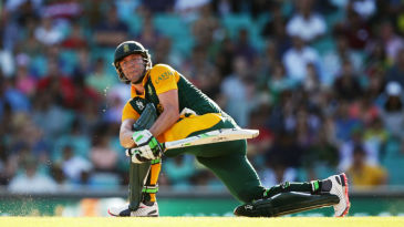 AB de Villiers scored 55 runs off his last 13 deliveries