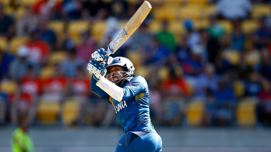 Tillakaratne Dilshan goes on the attack