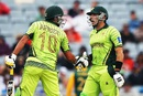 Misbah-ul-Haq and Shahid Afridi touch gloves, Pakistan v South Africa, World Cup 2015, Group B, Auckland, March 7, 2015