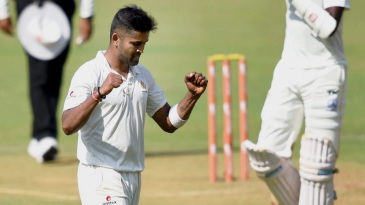 R Vinay Kumar celebrates after picking up a wicket