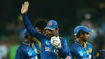 The final goodbye: Kumar Sangakkara waves to the crowd