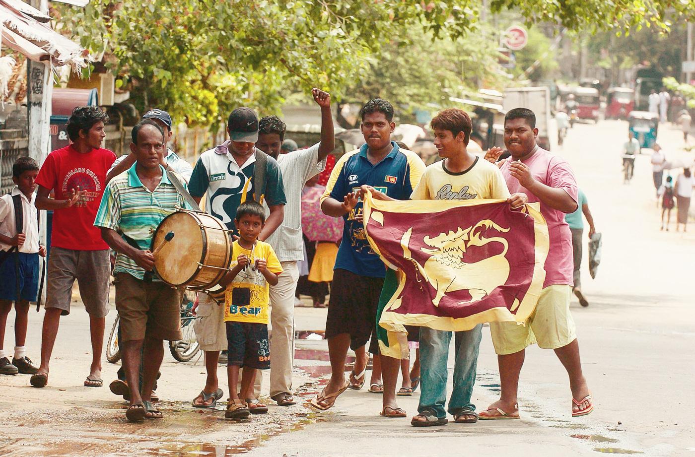 Fans celebrate Sri Lanka's 2007 semi-final win the best way they know