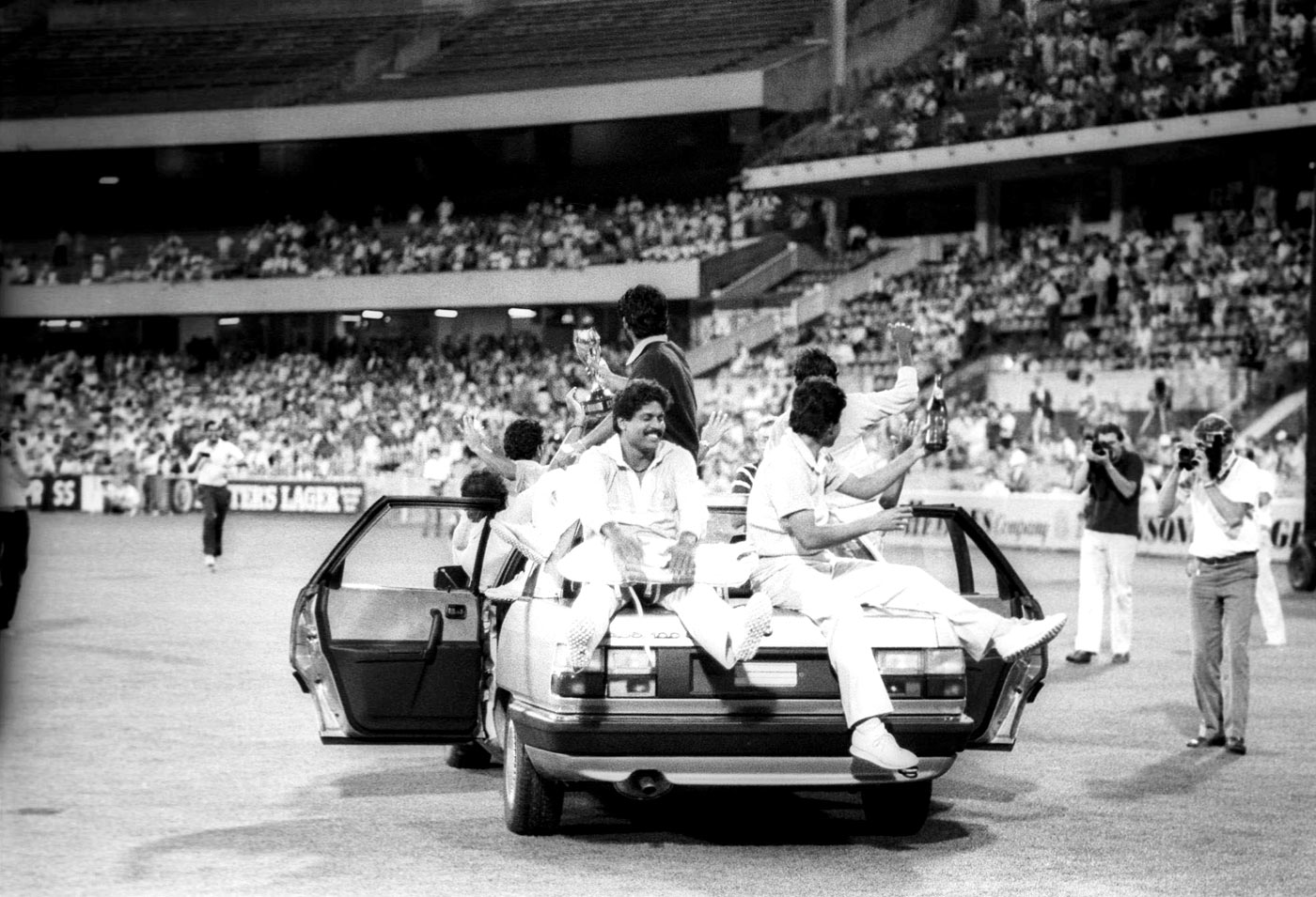 Ravi Shastri improvises a float for India's victory parade at the MCG in 1985