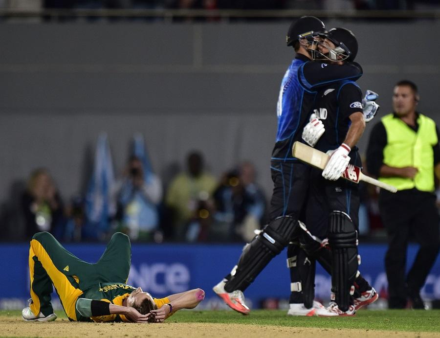 New Zealand allrounder Grant Elliott retires from ODIs Cricket