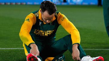 A despondent Faf du Plessis after South Africa's loss
