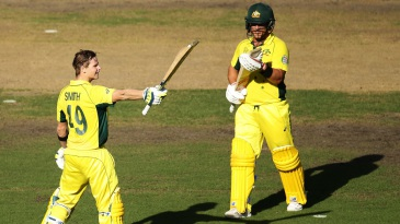 Aaron Finch applauds Steven Smith on his hundred