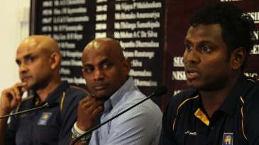 Angelo Mathews, Sanath Jayasuriya and Marvan Atapattu at a press confernece